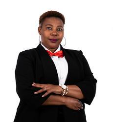 Tshidi Masheane, estate agent
